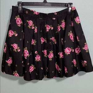 NWOT pleated floral skirt